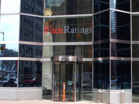Fitch:Nα επανεξεταστούν τα ασφάλιστρα κινδύνου χρεοκοπίας