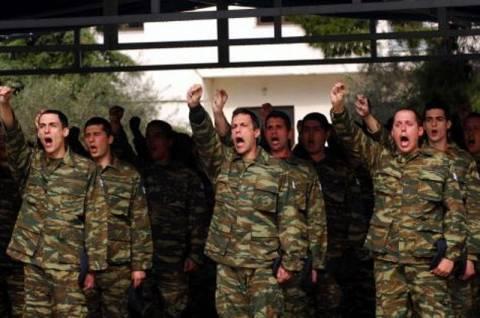 Αύξηση της θητείας επαναφέρει ο υφυπουργός Άμυνας