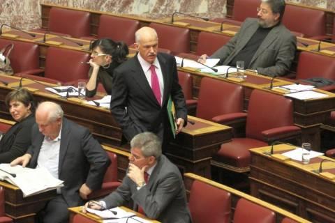 Στελέχη του ΠΑΣΟΚ συναντά ο Γ. Παπανδρέου