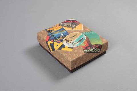 H Louis Vuitton παρουσιάζει: καρτ-ποστάλ ξενοδοχείων