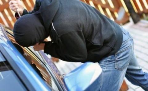 Θεσσαλονίκη: Καταδίωξη διαρρήκτη αυτοκινήτων