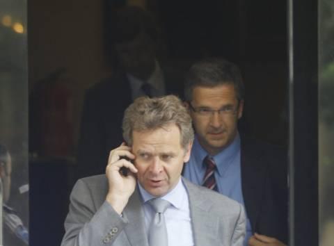 Ο Τόμσεν ανήσυχος για το «κούρεμα» του ελληνικού χρέους