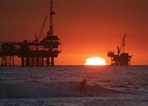 Η Ευρωπαϊκή Ένωση πιέζει για «φρένο» στο ιρανικό πετρέλαιο