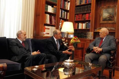 Για τη διαφθορά στην Ελλάδα ενημερώθηκε ο Κ. Παπούλιας