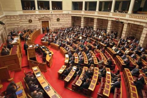 Σε εξέλιξη η ψηφοφορία για τον προϋπολογισμό του 2012