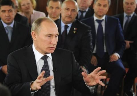 Πούτιν: Οι ΗΠΑ ενθαρρύνουν τις διαδηλώσεις