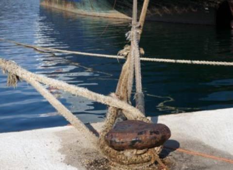 Πλοία άγονης γραμμής δεν έχουν χρήματα για καύσιμα