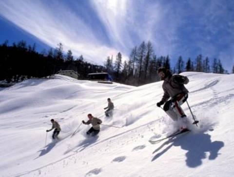 Άνοιξαν οι πίστες στο χιονοδρομικό κέντρο Φαλακρού