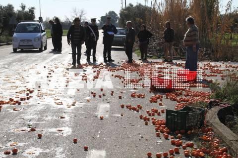 Βούναργο Πύργου: Τροχαίο γέμισε το δρόμο με πορτοκάλια