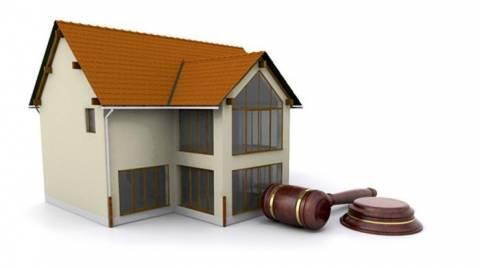 Απαγόρευση πλειστηριασμών μέχρι το τέλος του 2012
