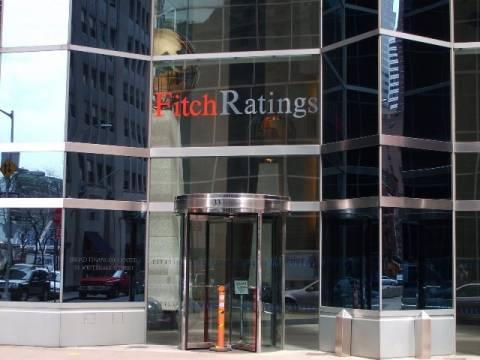 Υποβάθμισε έξι μεγάλες τράπεζες ο οίκος Fitch