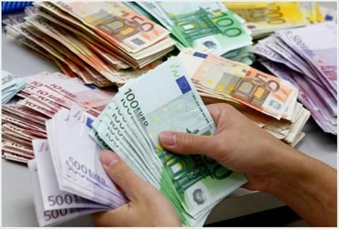 «Άνευ προηγουμένου φυγή ελληνικών κεφαλαίων στο εξωτερικό»