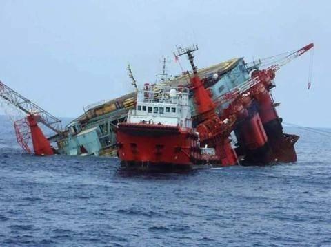 Βυθίστηκε πλατφόρμα πετρελαίου στην Ρωσία