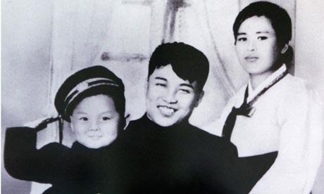 Kim-Jong-il-with-his-fath