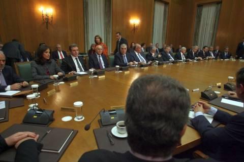 Γκρίνιες και έριδες στο υπουργικό συμβούλιο