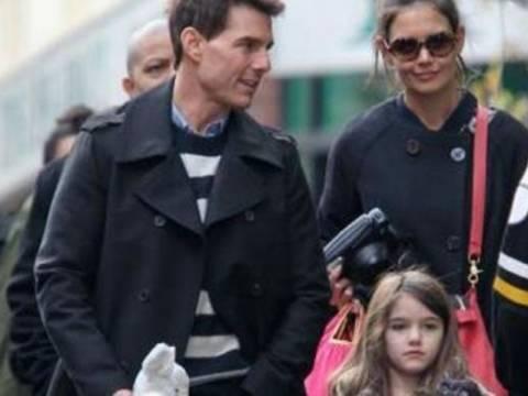 Κρουζ-Χολμς: Βόλτες με την κόρη τους στην Νέα Υόρκη