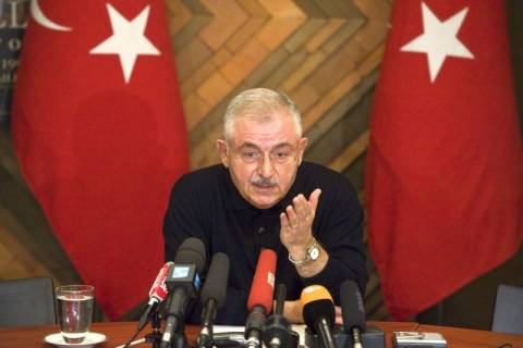 Έφυγε από το Παρίσι ο τούρκος πρεσβευτής