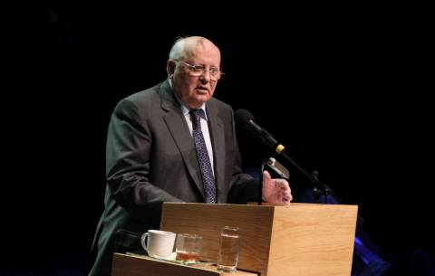 Γκορμπατσόφ: Ο Πούτιν να εγκαταλείψει τώρα την εξουσία