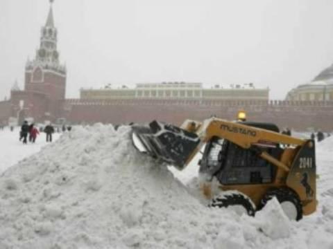 Χριστούγεννα με 1 εκατ. κυβικά μέτρα χιόνι!