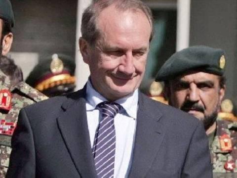 Στο Αφγανιστάν μετέβη ο Λονγκέ