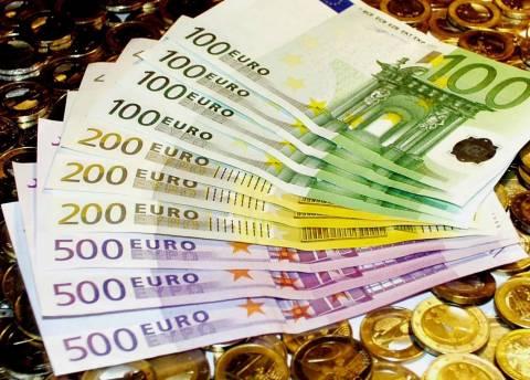 «Σε 10 χρόνια ίσως το ευρώ να είναι το κυρίαρχο νόμισμα παγκοσμίως»