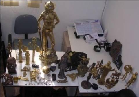 Έπιασαν Αθίγγανους με μισό τόνο χαλκό σε καλώδια και αγαλματίδια