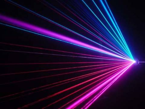 Φωτογραφική «συλλαμβάνει» την ταχύτητα φωτός