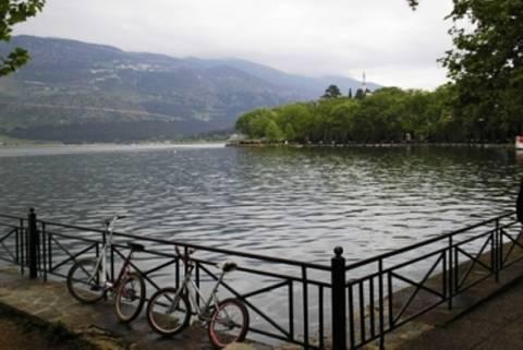 Ιωάννινα: Οι Paguristas καθαρίζουν τη λίμνη