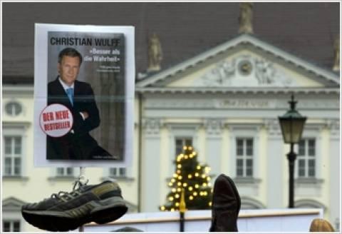 Γερμανία: Διαμαρτυρία με παπούτσια έξω από την οικία του προέδρου