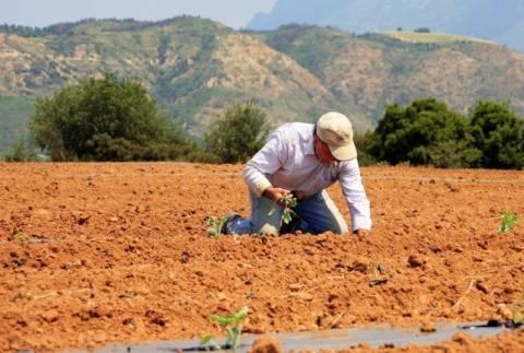 Διαμαρτυρία για τη δέσμευση των επιδοτήσεων των αγροτών