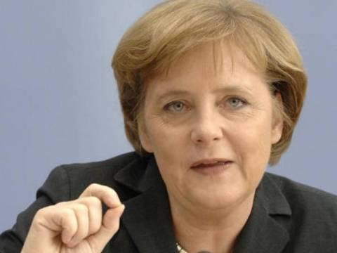 Συνάντηση Μέρκελ - Λαγκάρντ για την κρίση χρέους στην ευρωζώνη