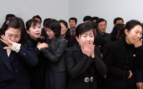 Β. Κορέα: «Επιμόρφωση» για όσους δεν έκλαψαν σωστά