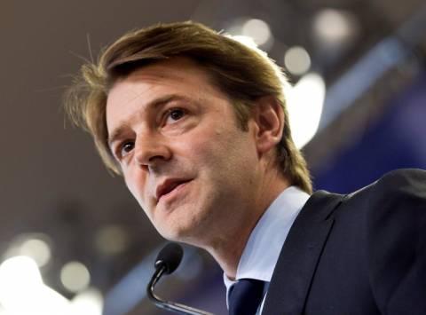 Ο Μπαρουέν επιβεβαιώνει την υποβάθμιση της Γαλλίας