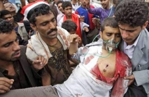 Μαίνονται οι αιματηρές συγκρούσεις στην Υεμένη
