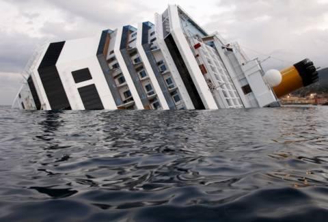 Το ναυάγιο μέσα από υποβρύχιες φωτογραφίες