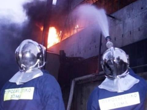Στις φλόγες βιοτεχνία στην Καβάλα