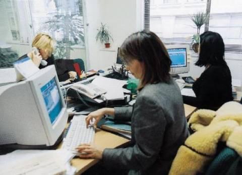 Εξήντα χιλιάδες λιγότεροι δημόσιοι υπάλληλοι  μέχρι το 2015