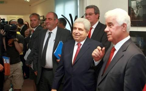 Πιέσεις καταγγέλλει η Κύπρος