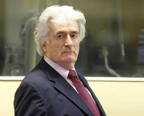 Κατάθεση Κ. Παπούλια ζητά ο Κάραζιτς