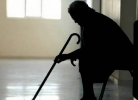 Αλβανοί και Ινδός φίμωσαν μέχρι θανάτου 76χρονη
