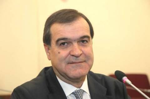 Προσπαθεί να φιμώσει τον Τύπο ο Βγενόπουλος