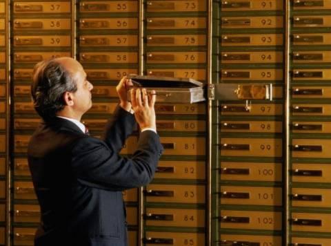 Οι Ιταλοί «βγάζουν» ράβδους χρυσού στην Ελβετία