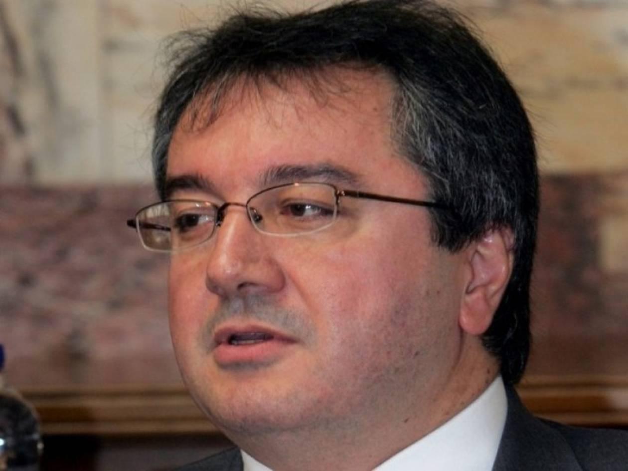 Μόσιαλος κατά της διατήρησης της ΕΤ1