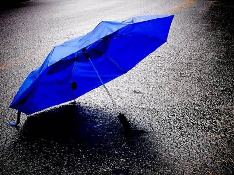 Επιστρατεύονται οι …ομπρέλες