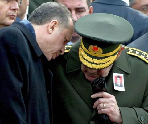 Με «ροζ» βίντεο εκβίαζε ο Ερντογάν τον αρχηγό του στρατού