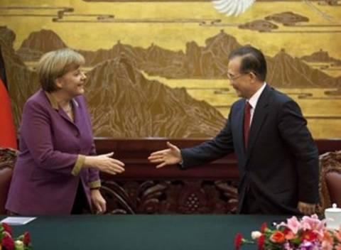 Κινέζικη χείρα βοηθείας προς την Ευρώπη