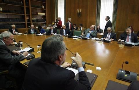 Υπουργικό τη Δευτέρα και μετά σύσκεψη Παπαδήμου - αρχηγών