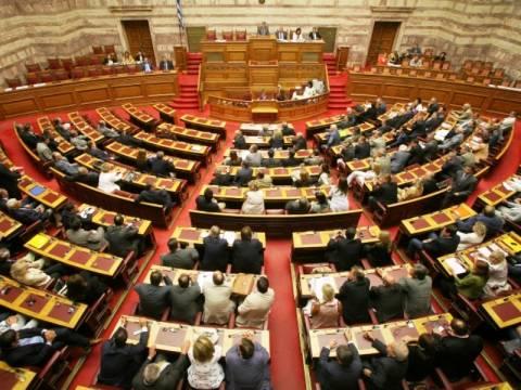 «Στα κάγκελα» οι βουλευτές για τα νέα μέτρα