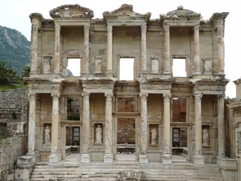 Το Ελληνικό ΥΠΕΞ ζητά από την Άγκυρα την προστασία Ελληνικών μνημείων