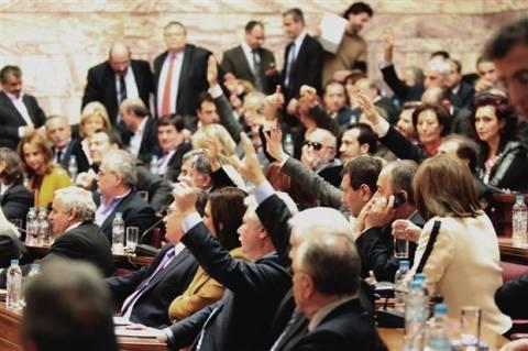 Τρέχουν να «μαζέψουν» τους βουλευτές στο ΠΑΣΟΚ